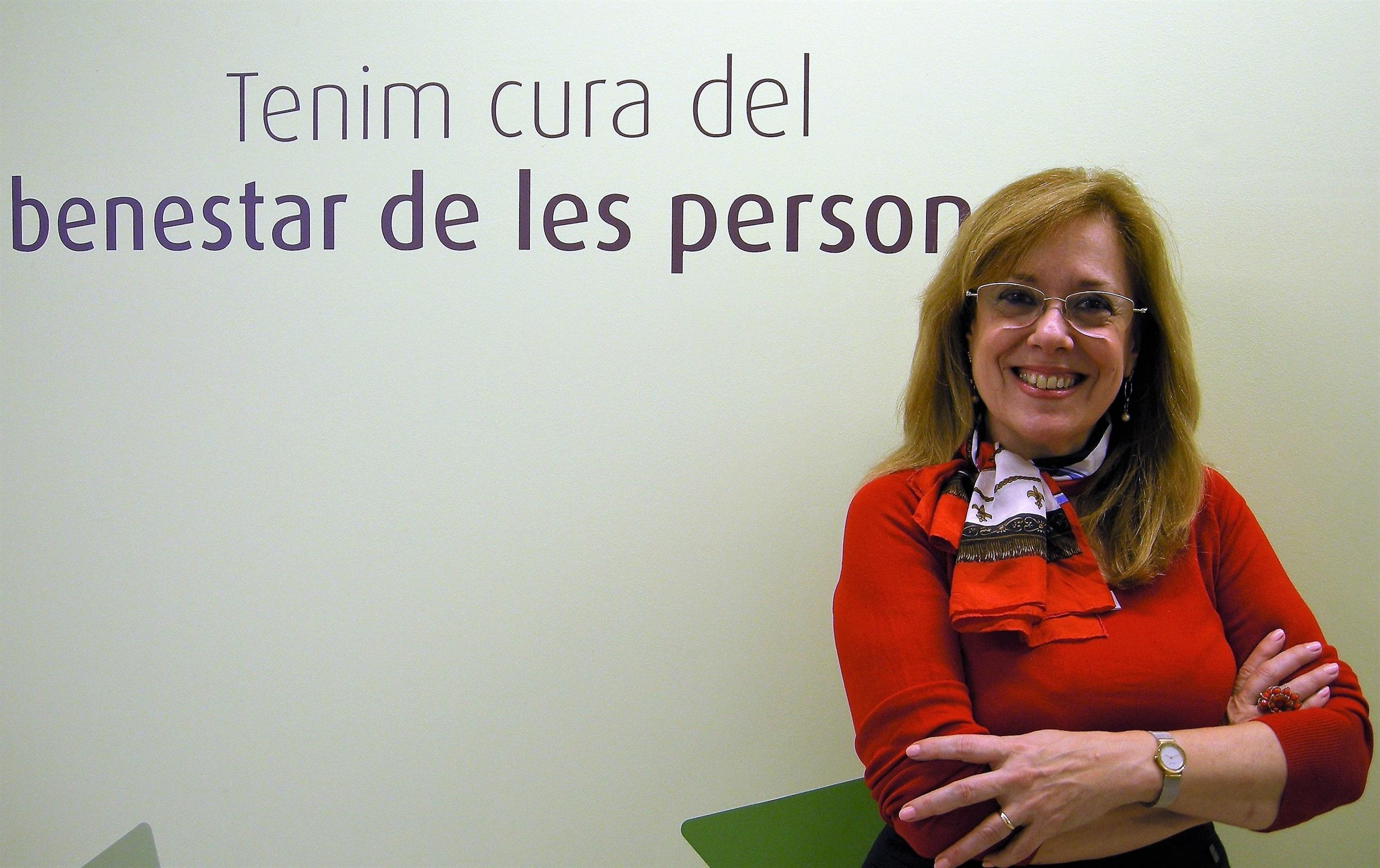 M. Àngels Ayra: «Després del càncer molta gent se sent desemparada en l'àmbit assistencial, els hem de seguir oferint acompanyament i suport»