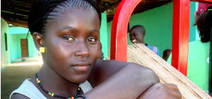 La llevadora, figura imprescindible en els programes de lluita contra la Mutilació Genital Femenina