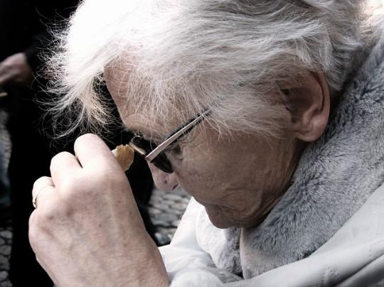 L'Ajuntament de Barcelona elabora un pla amb 77 accions per anticipar-se a l'envelliment de la població