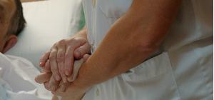El Parlament aprova portar al Congreso la proposta de despenalització de l'eutanàsia