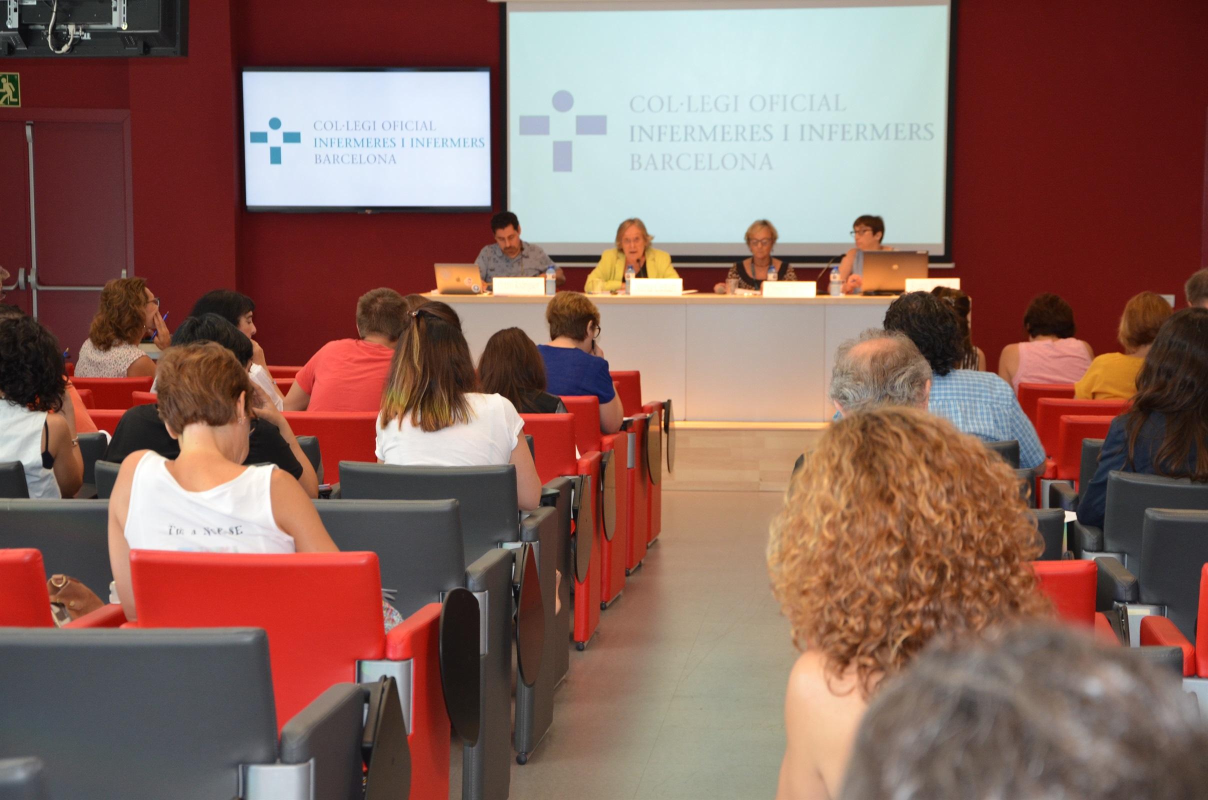 Les infermeres de Barcelona consensuen les directrius de les actuacions infermeres en l'atenció a urgències i emergències prehospitalàries