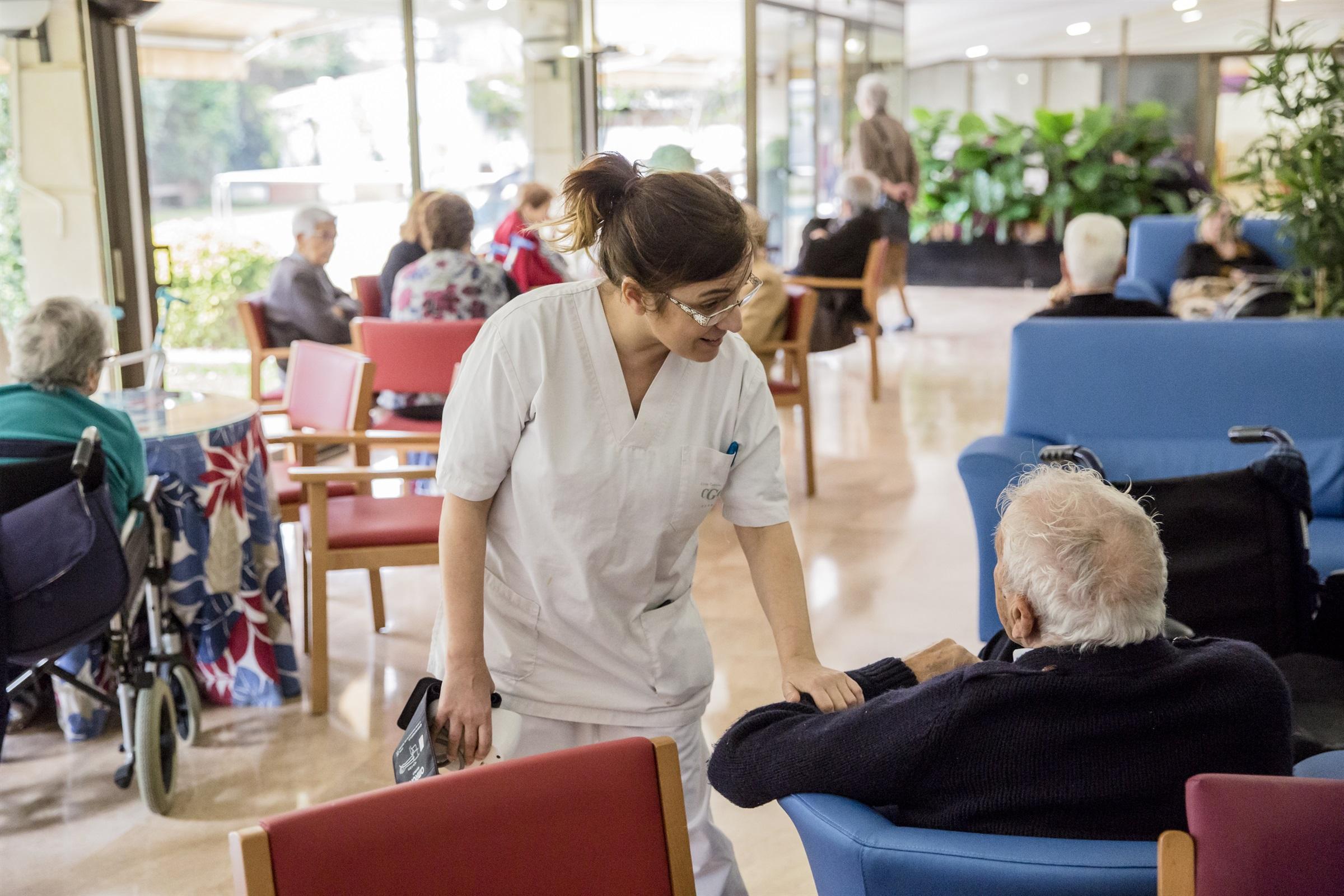 El COIB demana canviar el model d'atenció a les residències geriàtriques