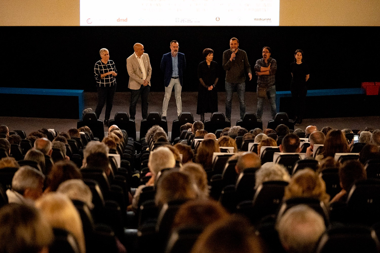 Estrena multitudinària del curtmetratge 'La dignitat', patrocinat pel COIB