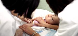 Les associacions professionals d'infermeres pediàtriques posen en comú coneixements sobre l'atenció integral infantil
