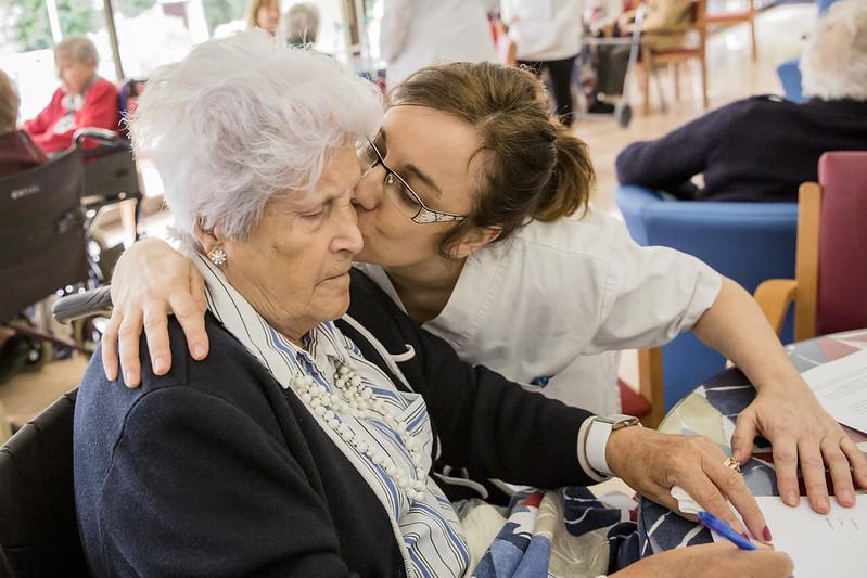 El COIB reclama la presència d'infermeres especialistes en geriatria als centres d'atenció primària i als hospitals