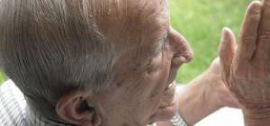 Aula de geriatria. Les cures infermeres en geriatria