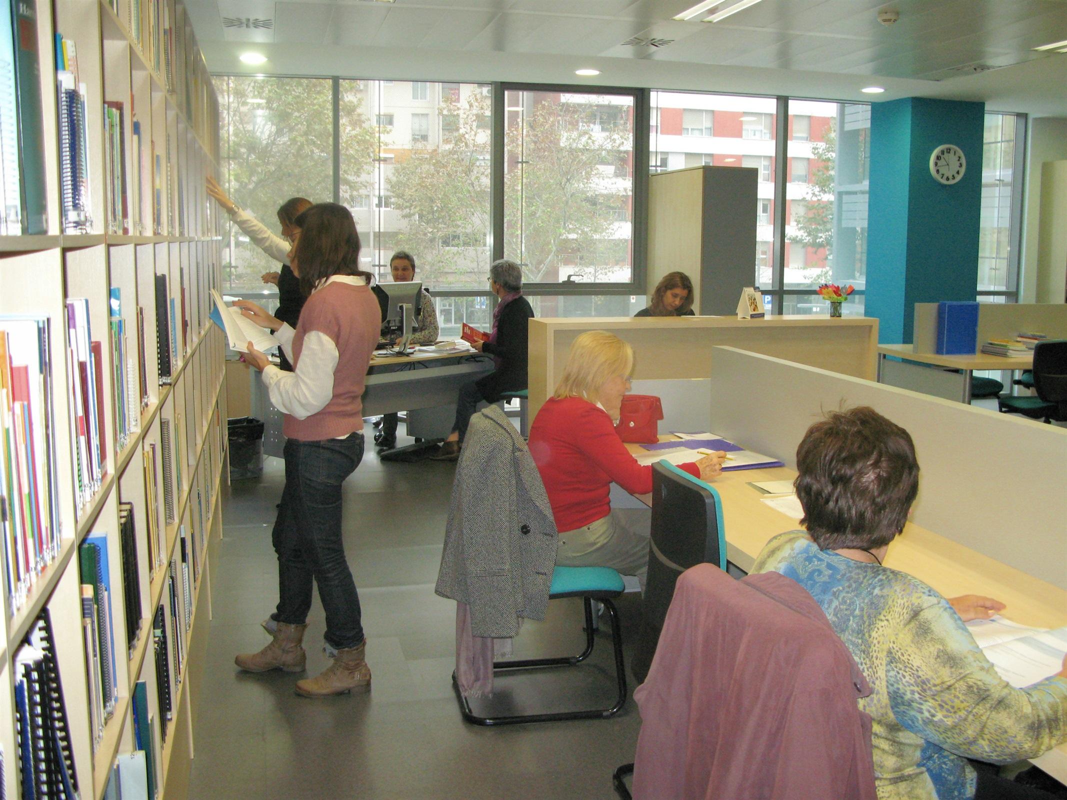 El Servei de Biblioteca i Documentació Infermera (SBDI) del COIB presenta pòster a les jornades espanyoles de documentació amb les seves propostes de fidelització